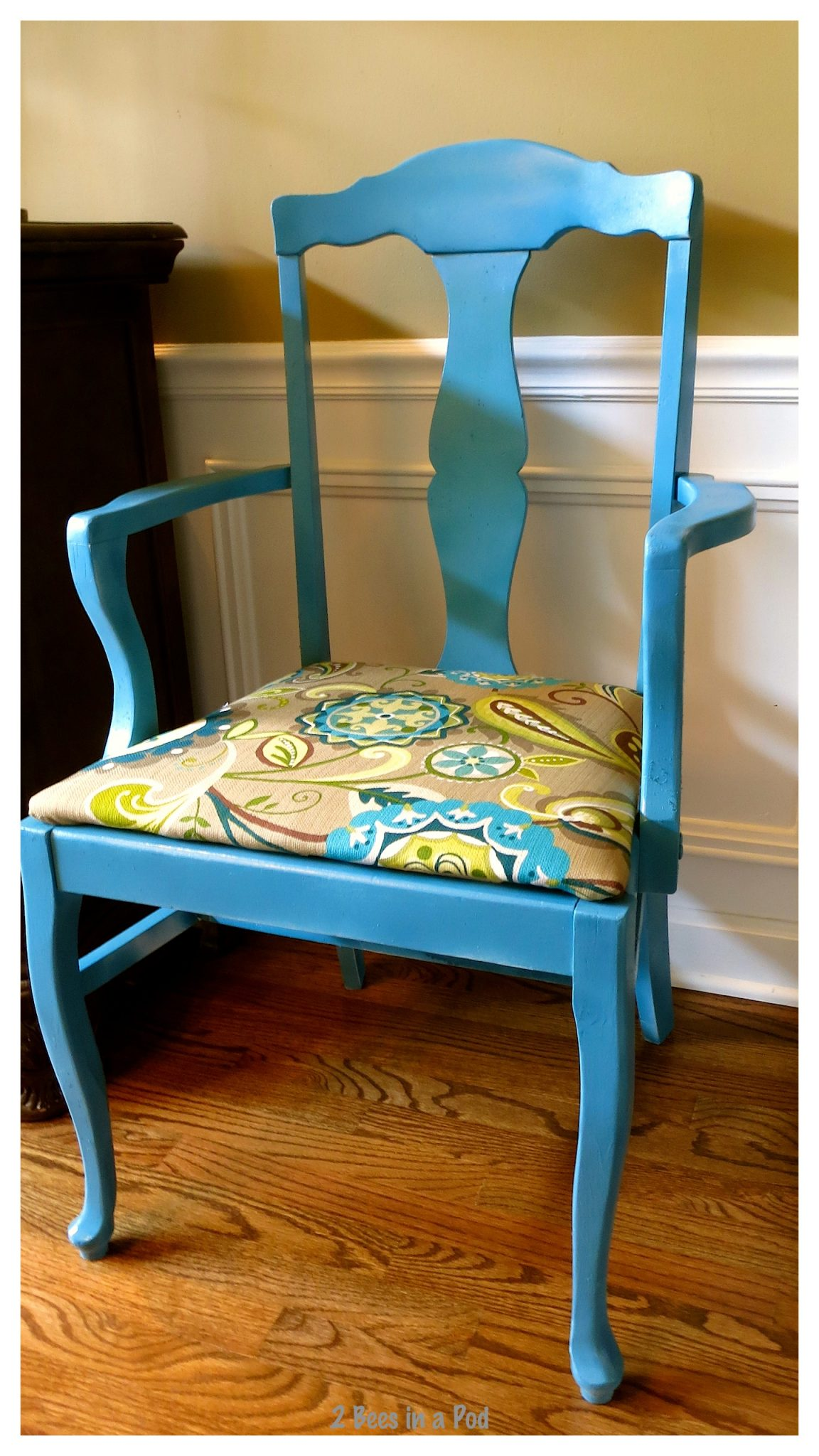 Painted Furniture Makeover – Splash of Color