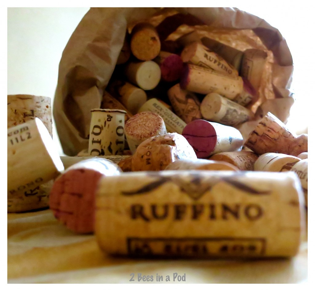 Wine corks are ready to make a birdhouse. You can use wine corks to make just about anything.