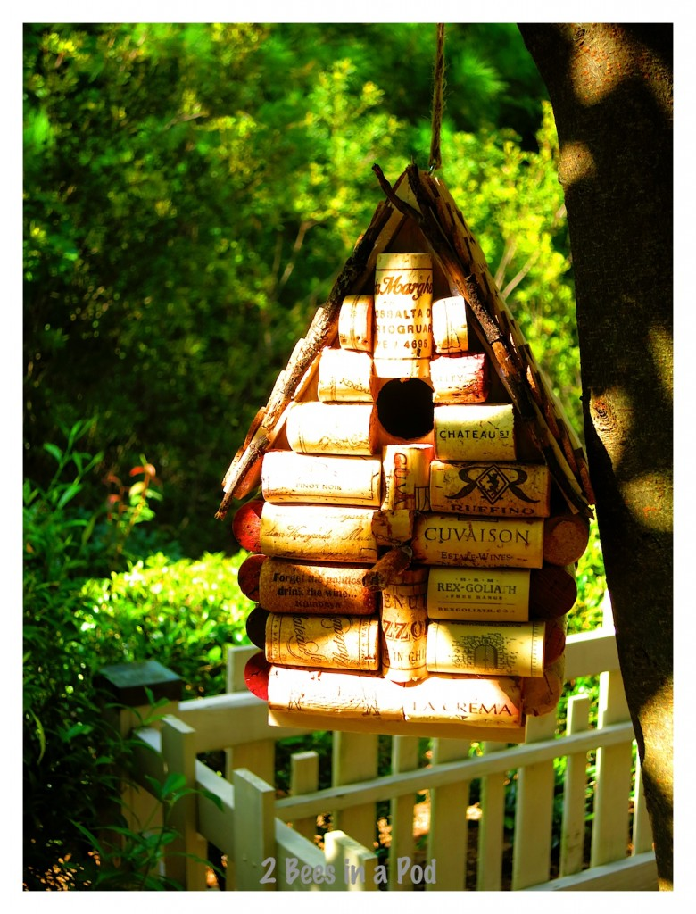 Using tiny sticks from the yard helped pull this wine cork birdhouse together. Such a cute DIY project.