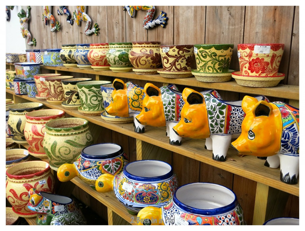 Shopping in historic St. Augustine - Authentic Spanish pottery