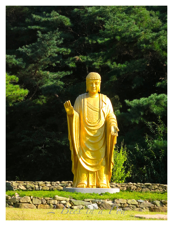 A beautiful gold statue in Cheonan South Korea