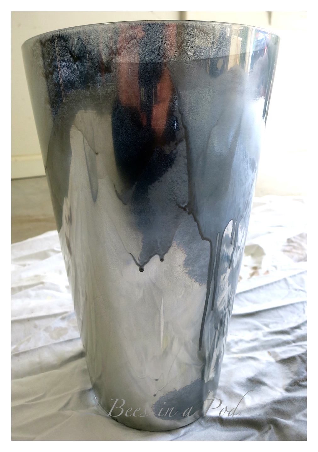 Great DIY Mercury Glass project -Looking glass spray paint, water and apple cider vinegar and something to paint are all you need for this project