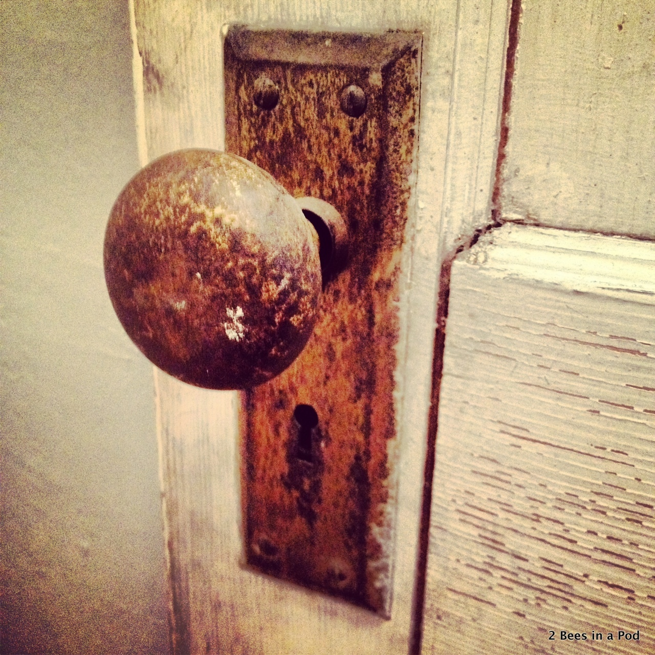 Love the details on this old door...original doorknob from 1908