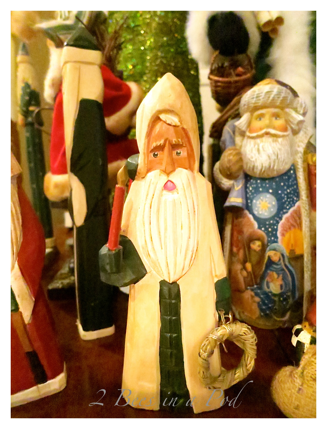 Beautiful rustic wood carved Santa Claus and hand painted