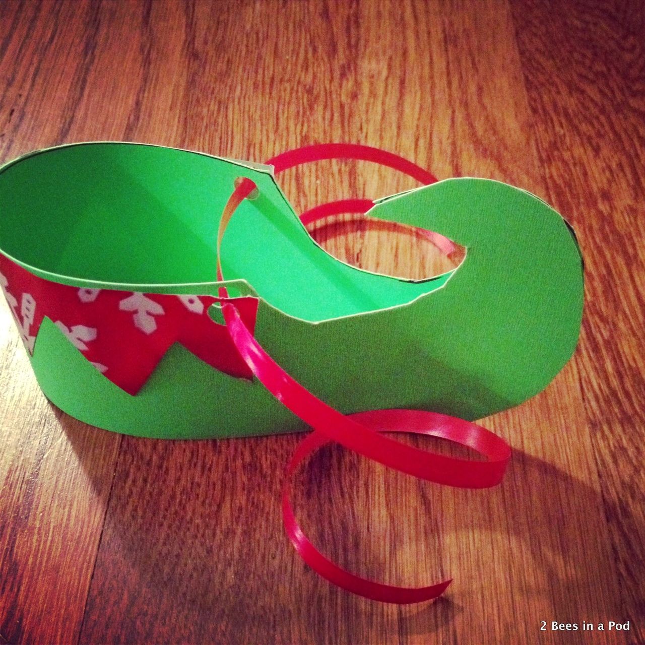 Added wrapping paper & ribbon to my elf shoes
