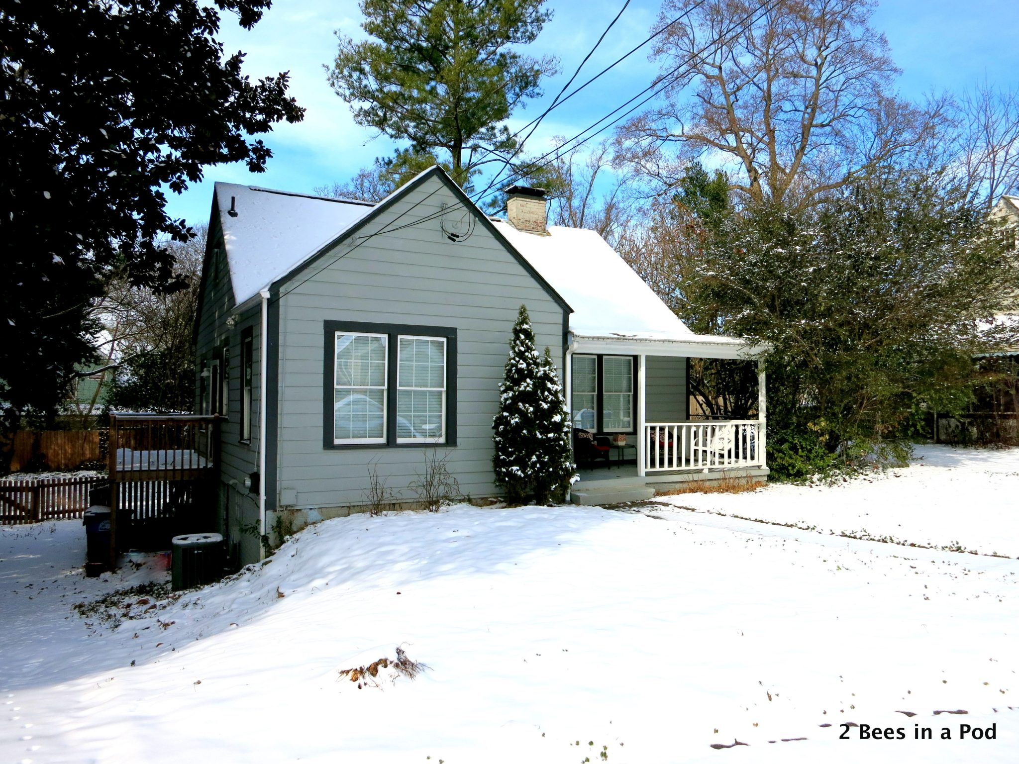 Cute Cottage in Atlanta in the snow
