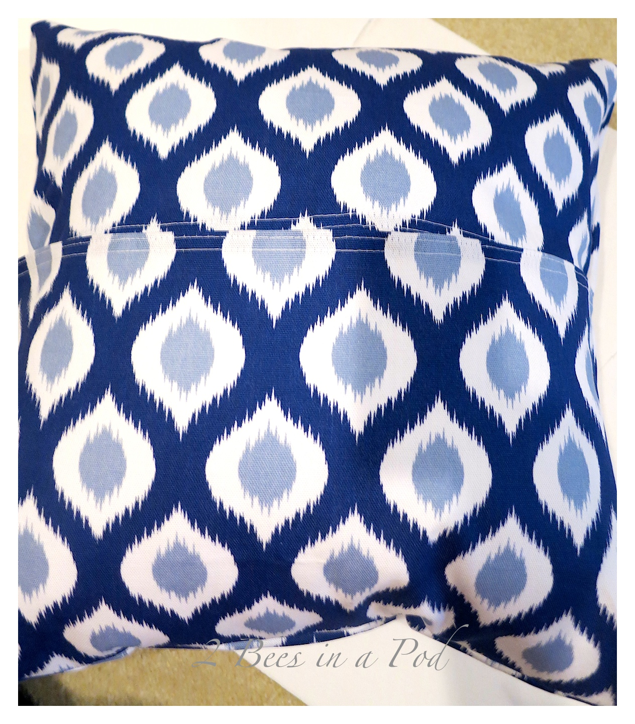 Diy Pillow Covers Made With Dinner Napkins 2 Bees In