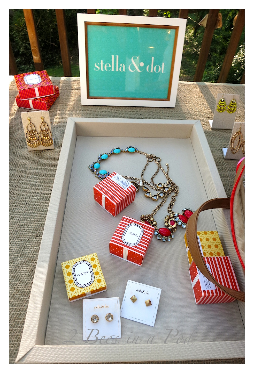 How to cohost a successful girl's night jewelry party. Great food, fun, friends, jewelry!