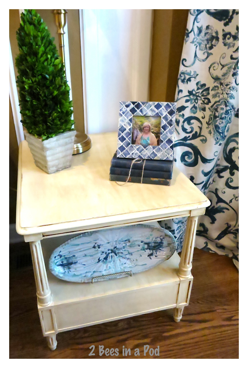 Bargain Side Table from Goodwill get Makeover with a little paint. Before and After