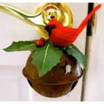 Easy DIY Jingle Bell Door Hanger Ornament…