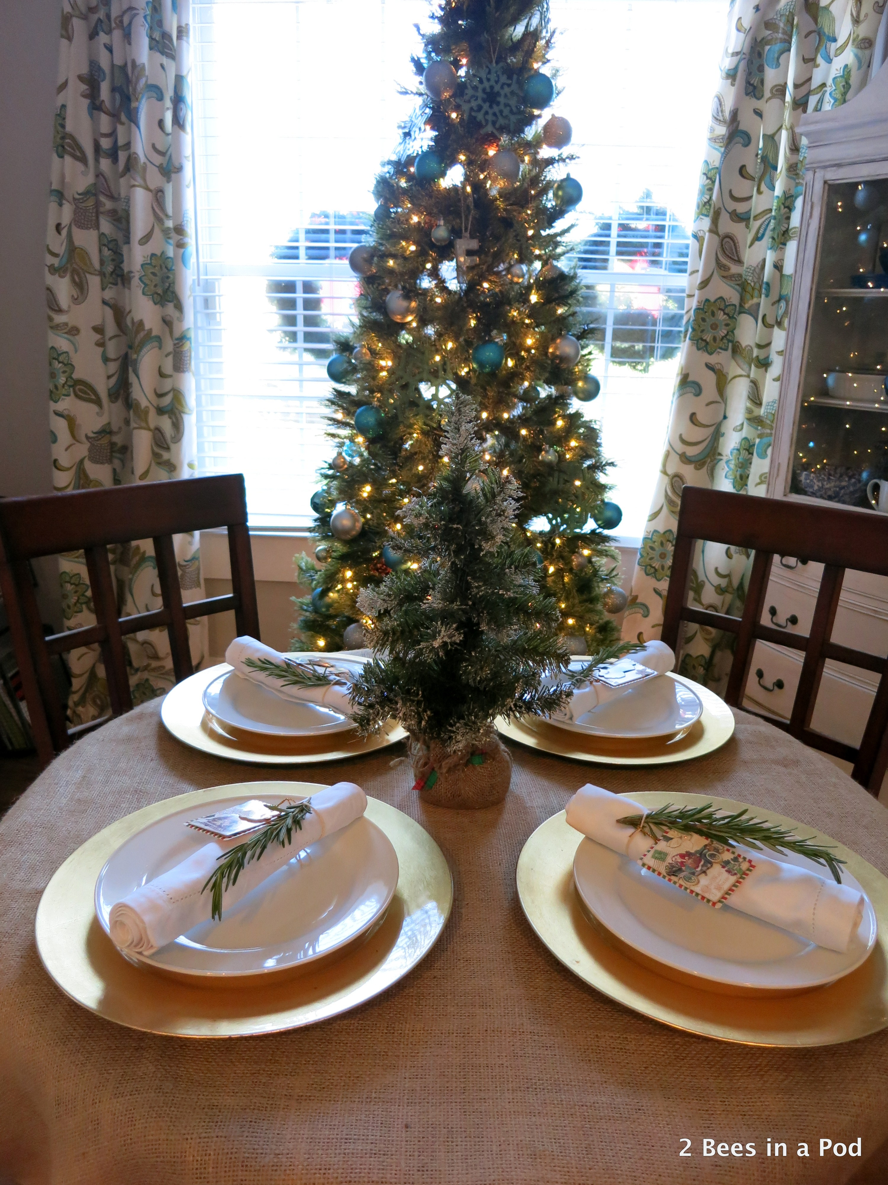 Christmas Home Tour - Dining Room Table with Burlap & Rosemary