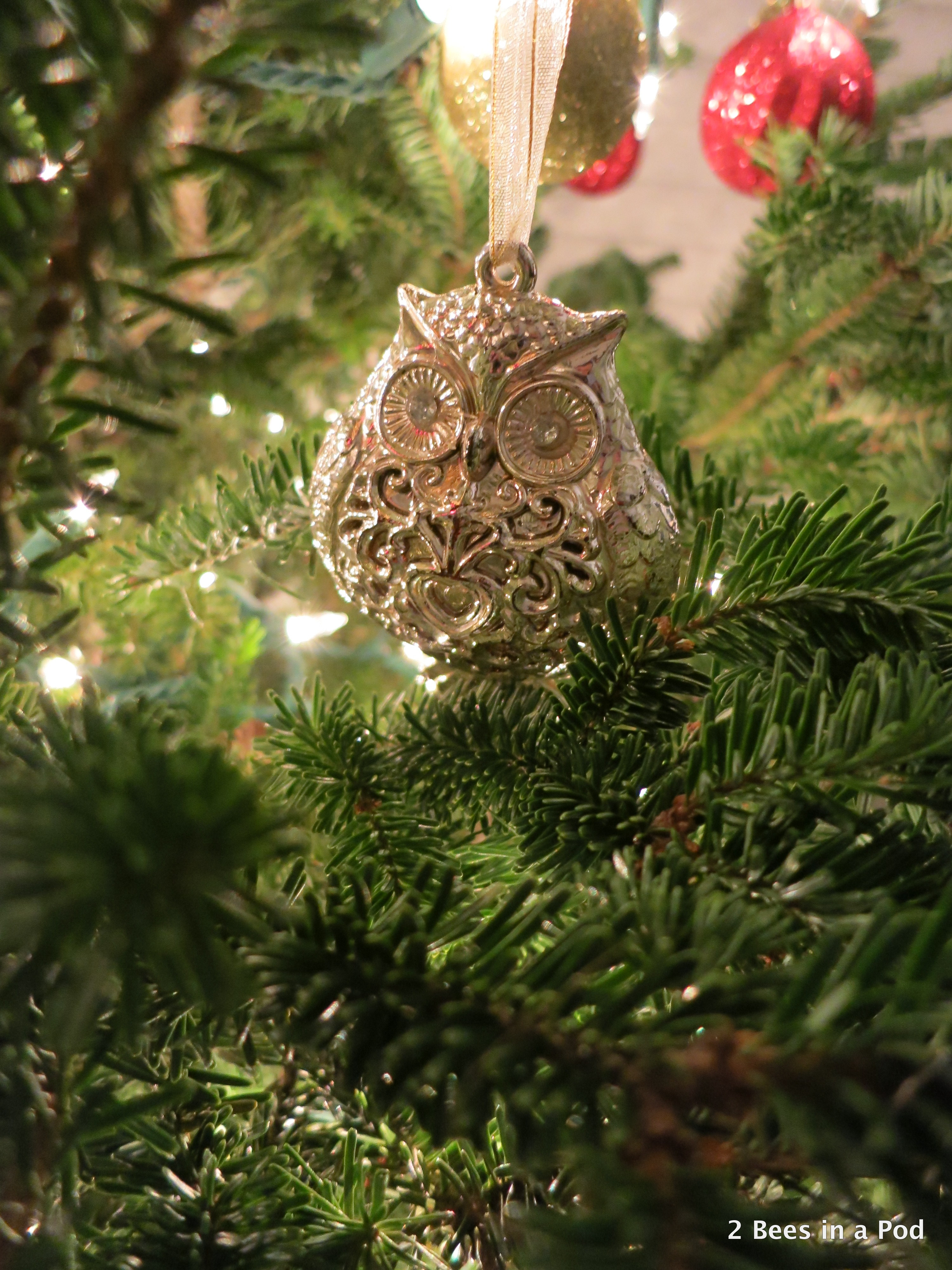 Christmas Home Tour. Christmas Tree with Owl Ornament