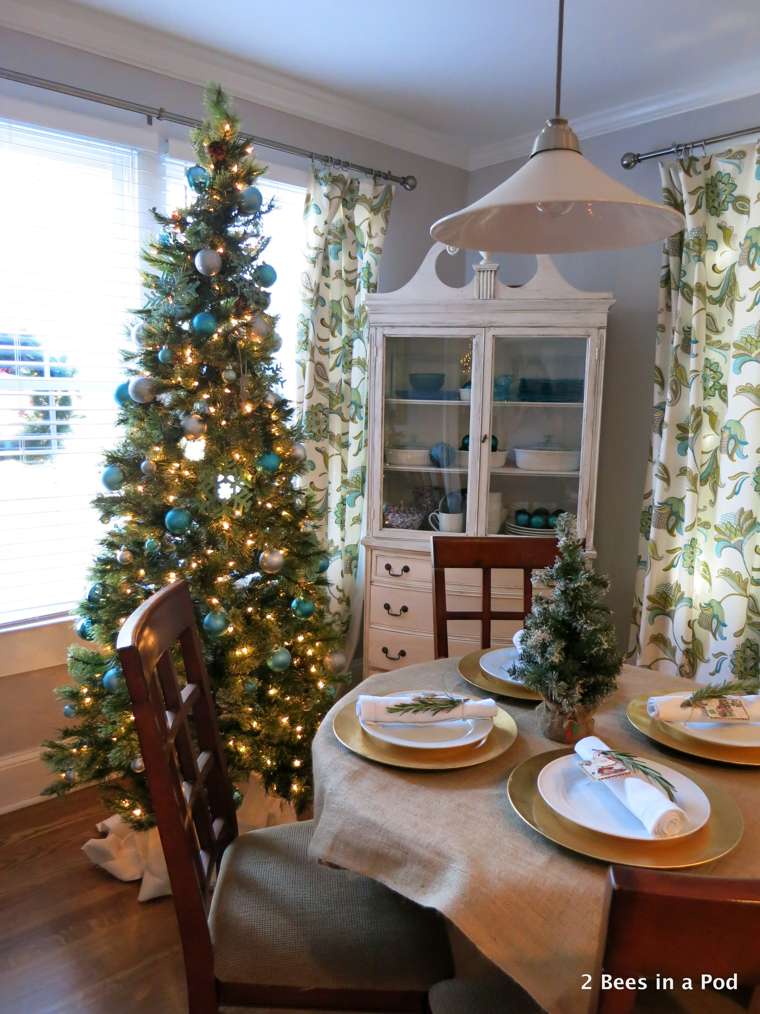 Christmas Home Tour. Dining Room Overview with blue & silver tree, burlap and rosematy tablescape