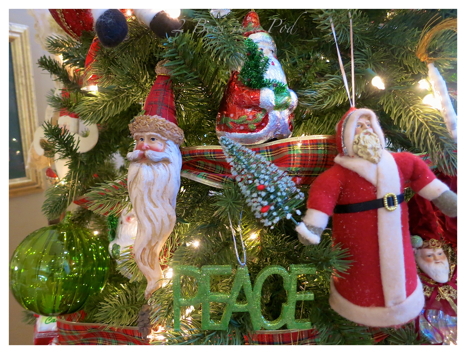 Christmas Home Tour 2014 - traditional green and red decor. Also rustic and vintage decor. Lots of Santas, vintage Buddy L truck and tractor