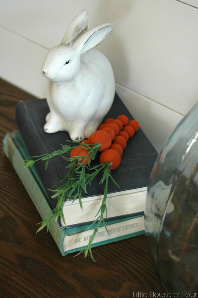 How cute are these DIY wooden craft carrots?