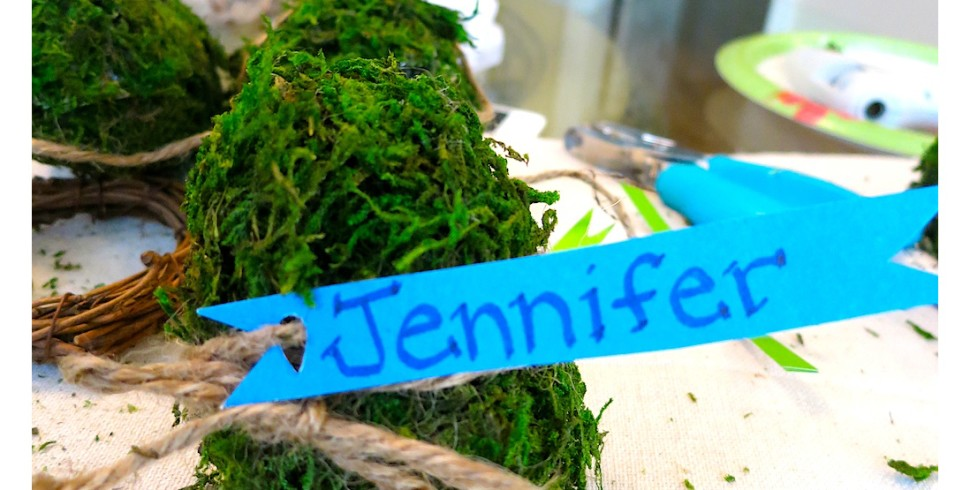 DIY Spring Moss Covered Eggs as Place Cards…