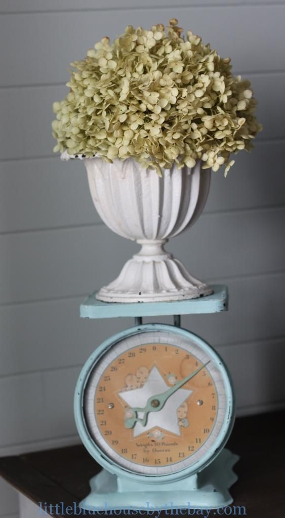 Friday Faves #60 - favorite vintage makeover. Vintage scale gets updated with pretty blue paint