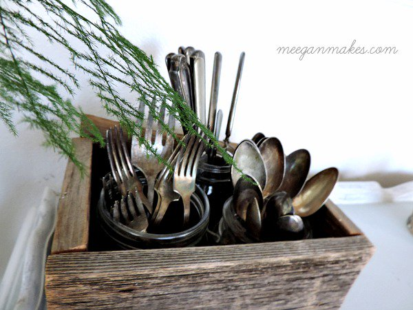 600x450xVintage-Silverware-Set.jpg.pagespeed.ic.JF7qbMbZXo
