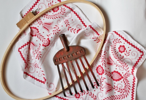 Vintage textiles read and white - rustic red rake
