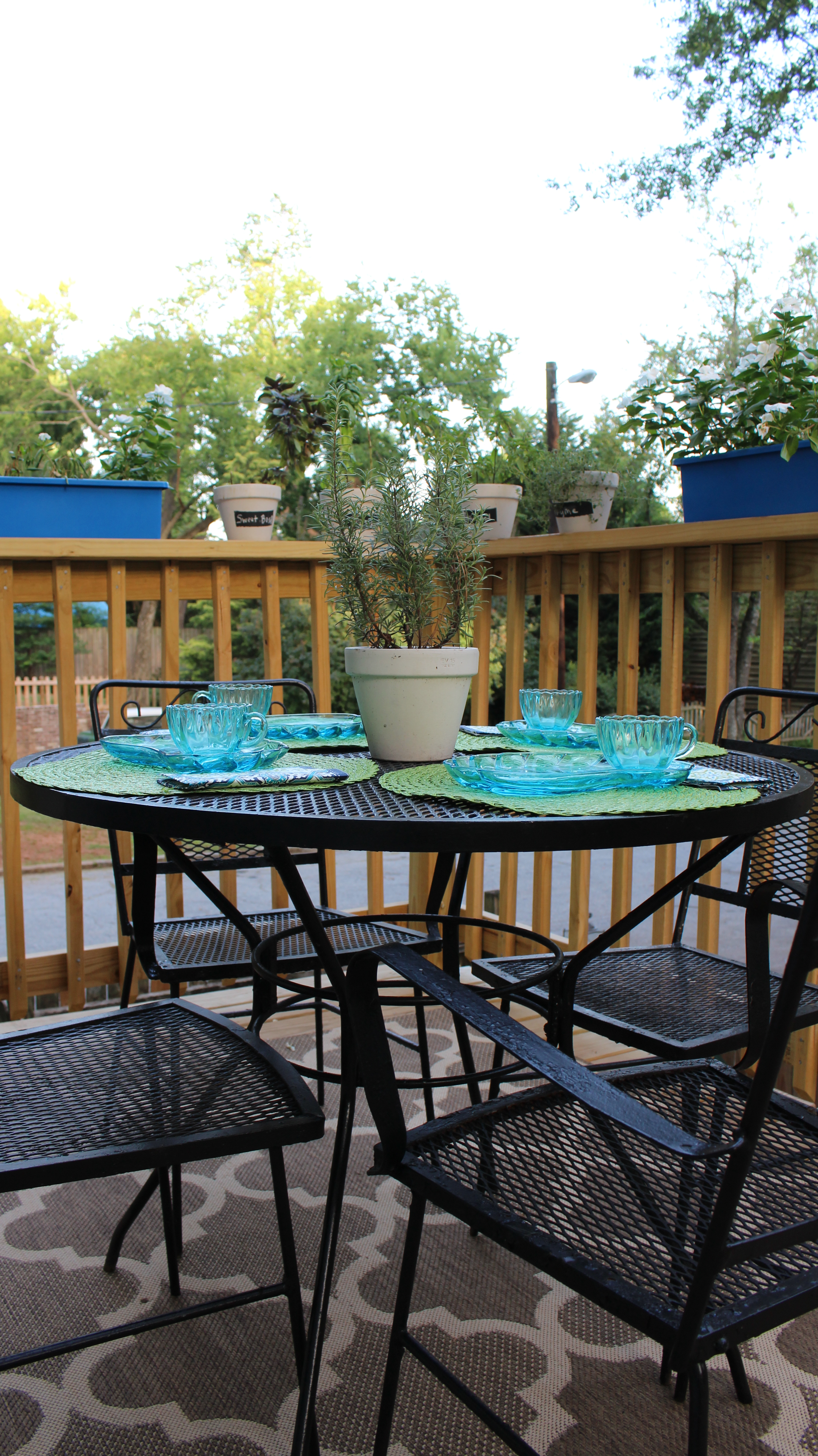 Painted Wrought Iron Patio Furniture 2 Bees In A Pod