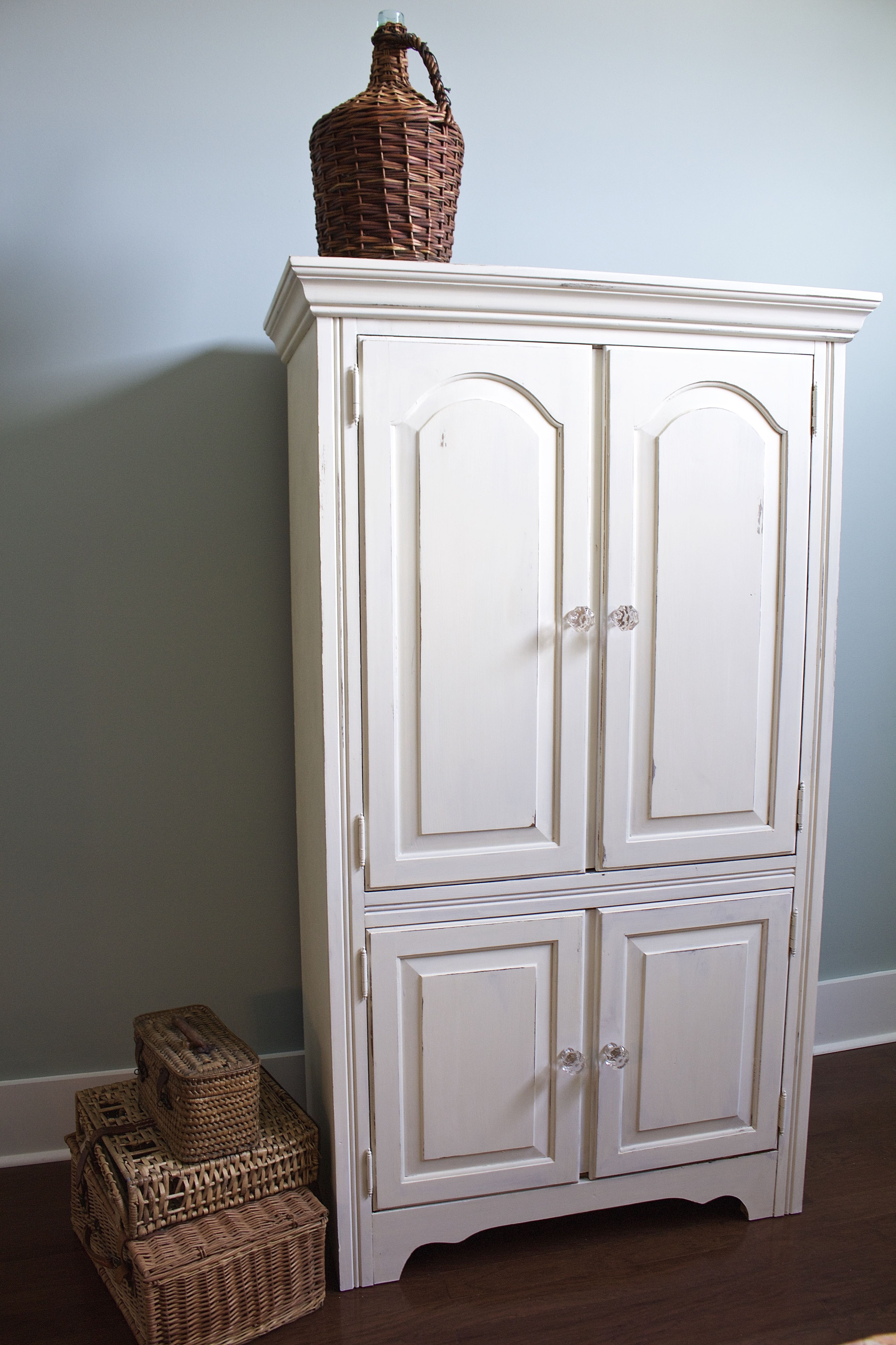 This Chalk Painted Armoire Makeover goes great in the bedroom. Love this transformation.