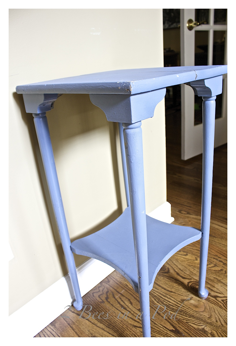 Chalk Painted Plant Stand Table. A Vintage Table Got A Makeover With A Bit  Of U2026