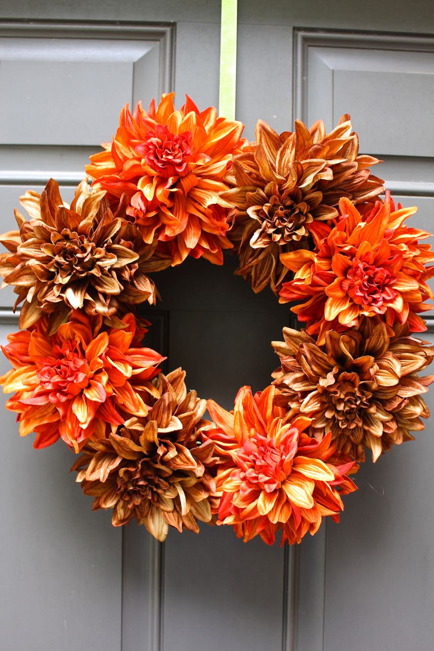 This easy Fall wreath only took 5 minutes. It looks great on the front door.