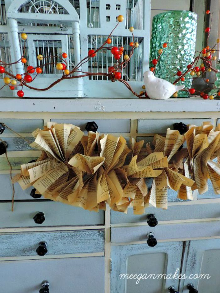 How-To-Make-a-Burlap-and-Book-Page-Garland1