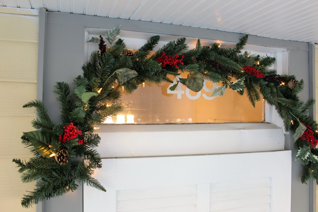 Rustic and Vintage Christmas Entryway with Tree Classics