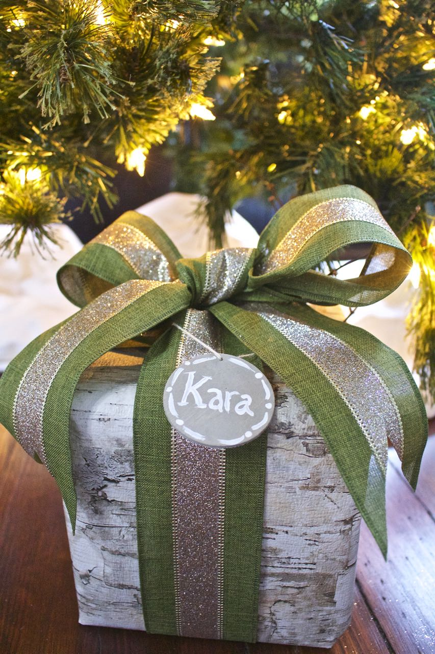 DIY Weathered Wood Gift Tags and Wood themed Christmas Gift wrap