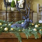Christmas Decor in the Dining Room
