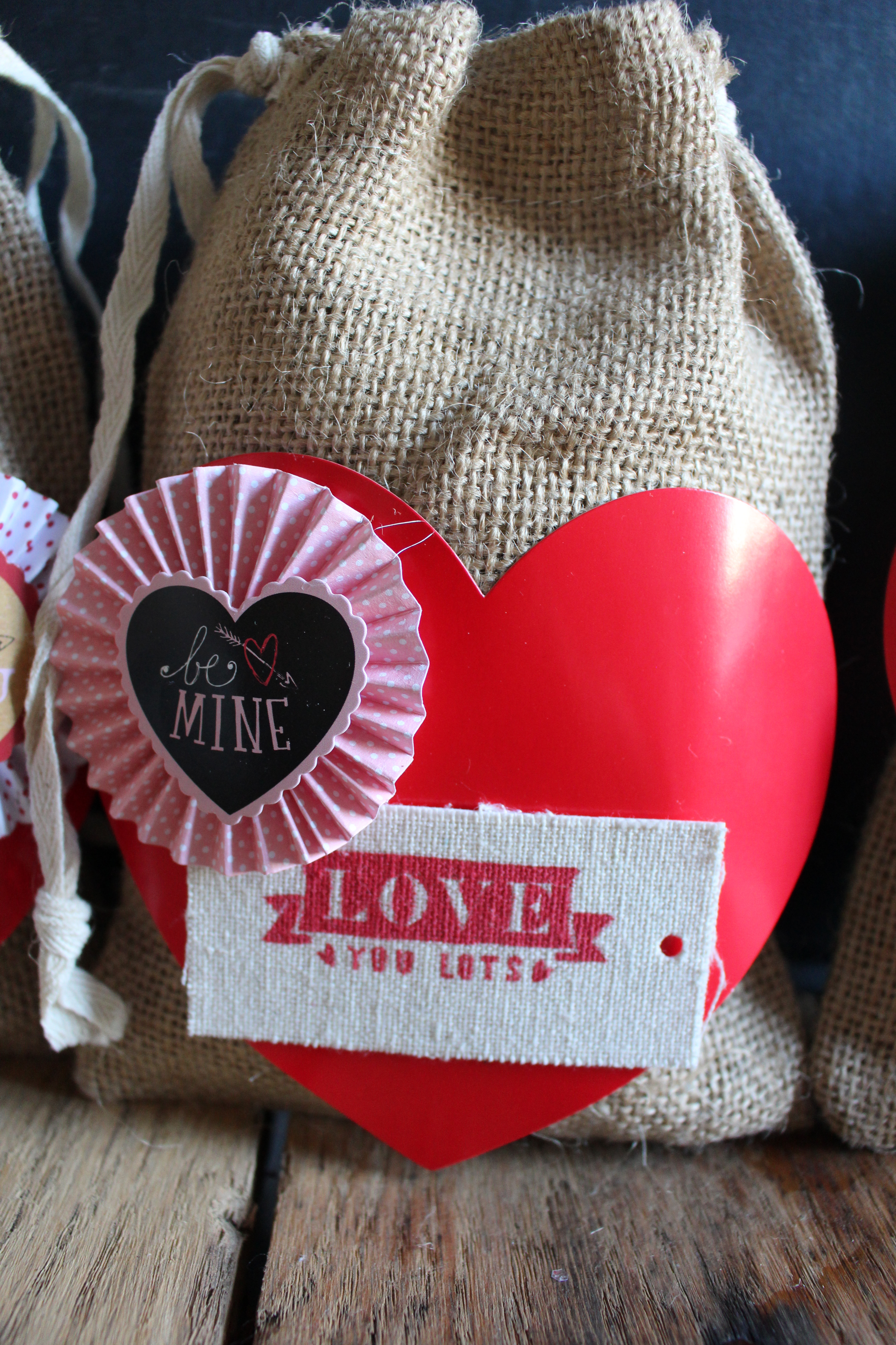 Diy Valentine S Day Gift Bag 2 Bees In A Pod