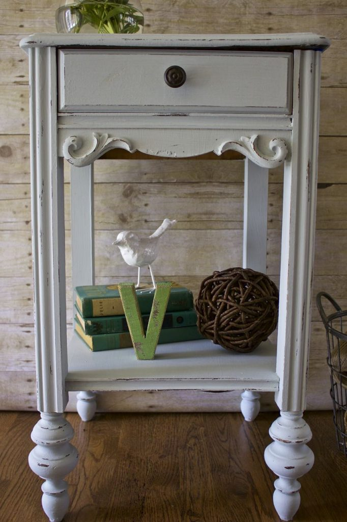 Trash To Treasure Table Makeover With Amy Howard 2 Bees