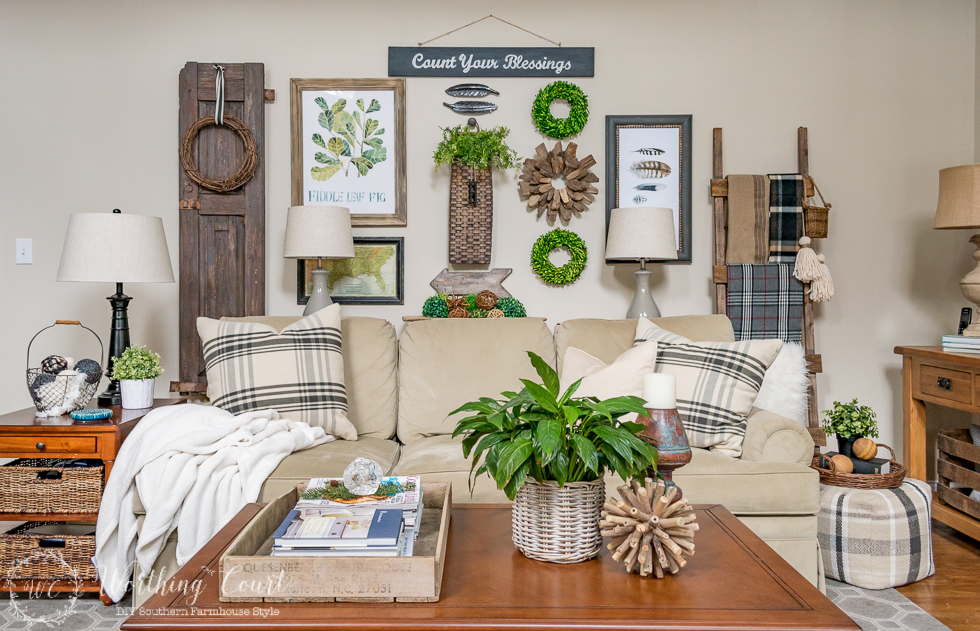 Stta-Link-Party-55-Rustic-Gallery-Wall