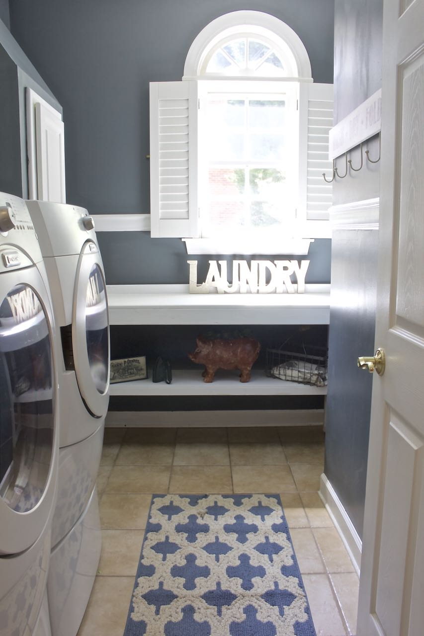 Laundry Room Makeover - 2 Bees in a Pod