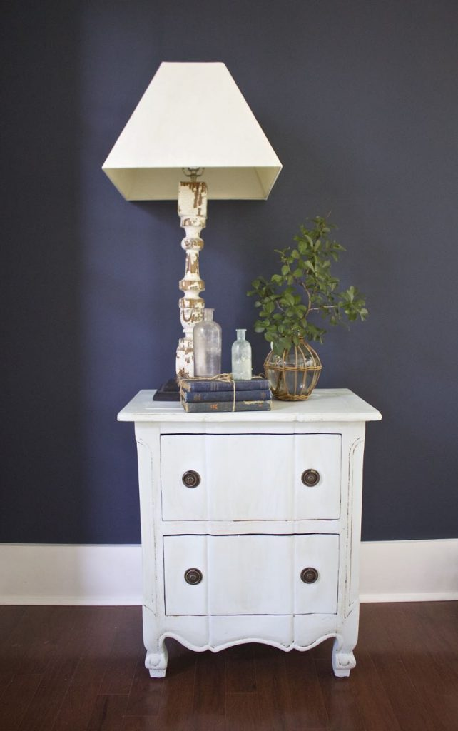 Painted Tabel Makeover in Amy Howard