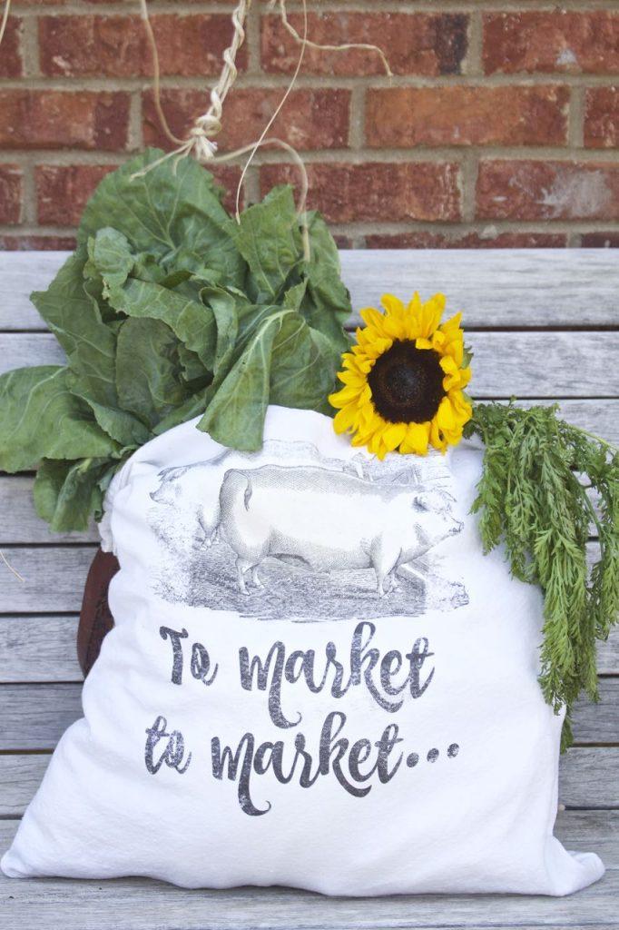 DIY Farmer's Market bag. Rustic pig graphic.