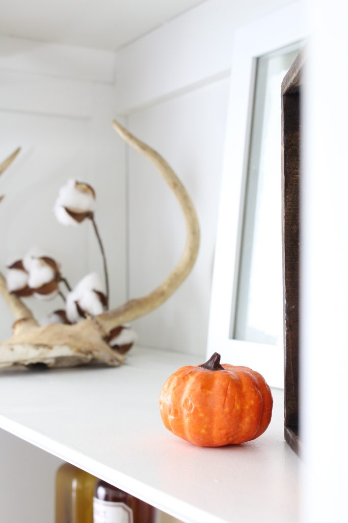 Fall home tour. Entryway shelves decorated for Fall.