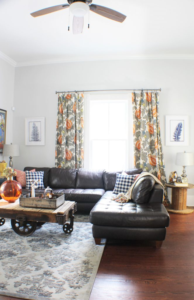 Decorating the living room for Fall. Fall home decor.
