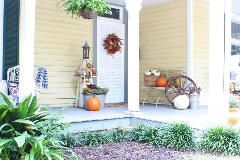 Fall home decorating. Fall front porch.