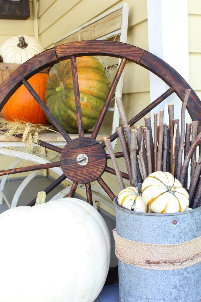 Home decor for the fall front porch.