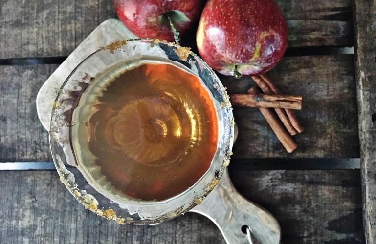 Hot Cider Appletini Cocktail