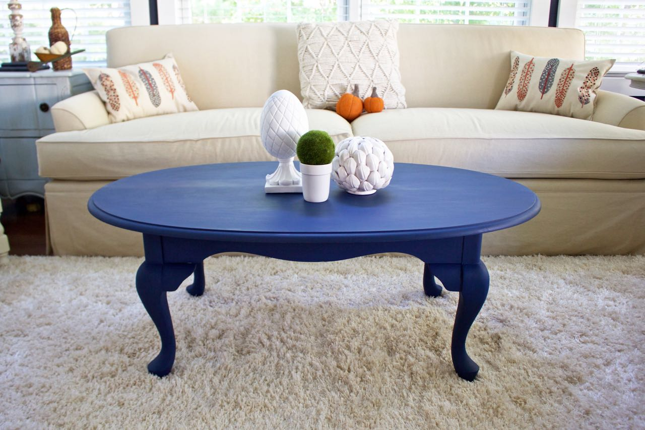 coffee table makeover in napoleonic blue chalk paint 2