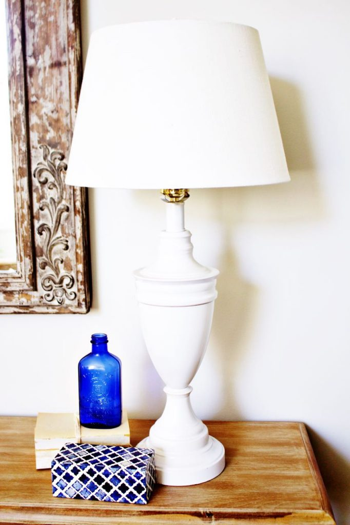 Easy Lamp Makeover with Spray Paint