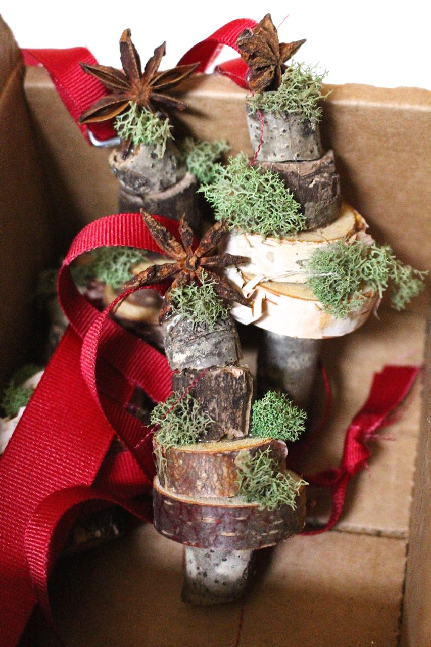 17 Ideas for Easy DIY Holiday Hostess Gifts.