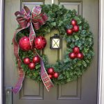 Easy DIY Christmas Wreath with Lantern