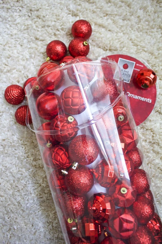 red-ornaments