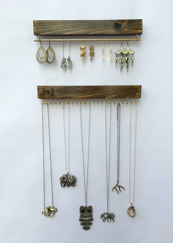necklace-display