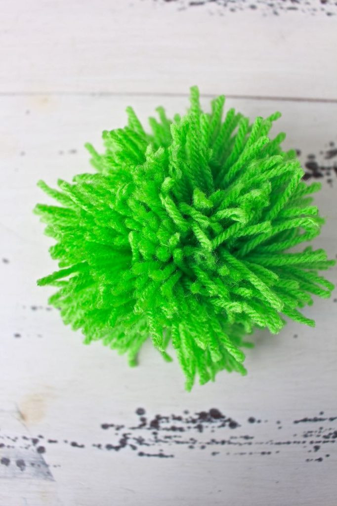 2 Bees in a Pod. How to Make a Pom Pom Garland.
