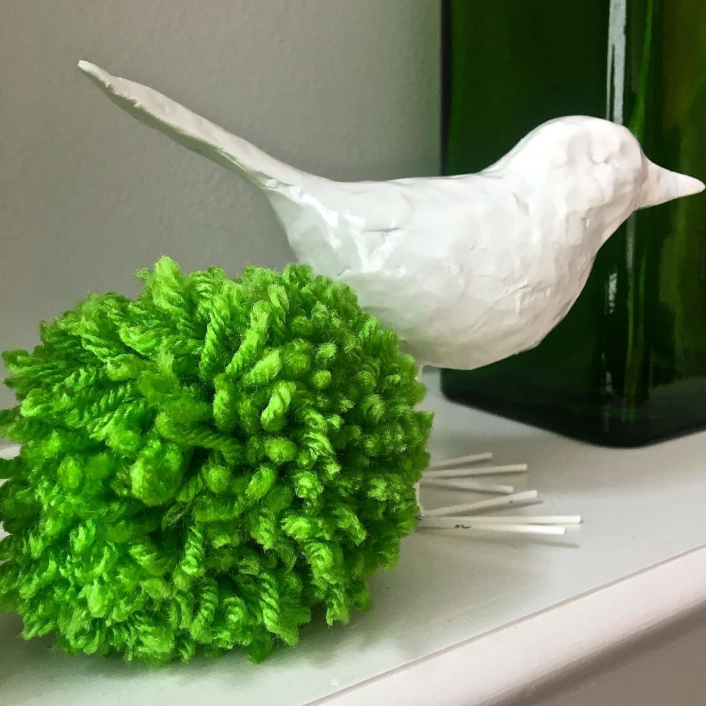 2 Bees in a Pod. How to make a Pom Pom Garland. Decorating with green.